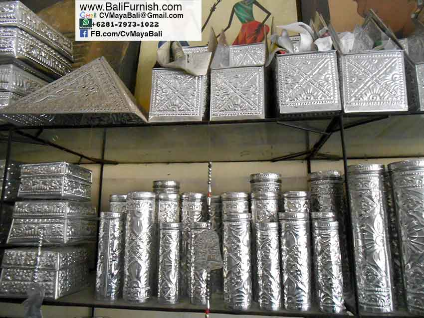 almb2-9-aluminium-boxes-craftsmen-in-bali