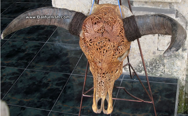 bhc-3-carved-bull-heads-b